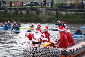 Le Pere Noel débarque à Lannion