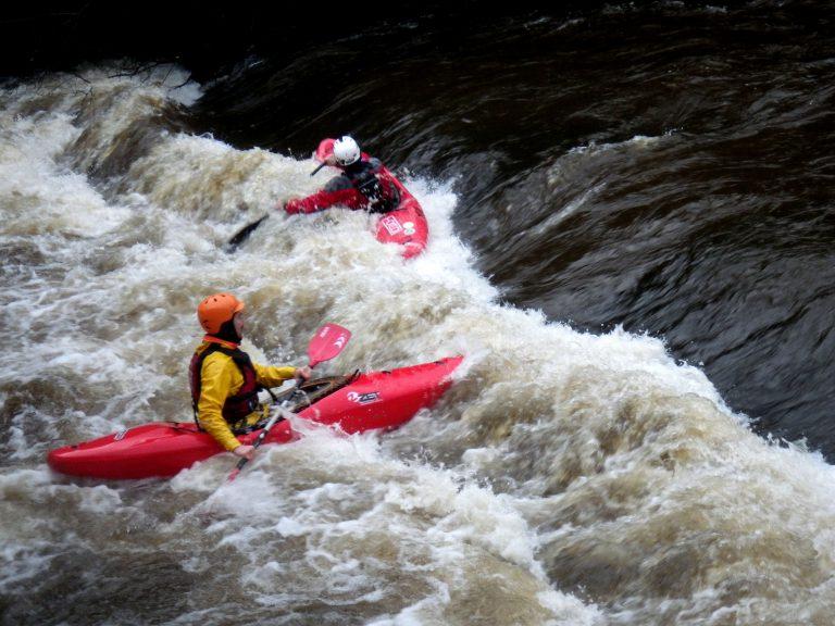 deux kayakistes